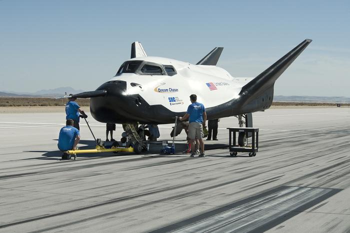В США провели успешные испытания космического корабля Dream Chaser. Dream Chaser, Космос, Шаттл, Испытание
