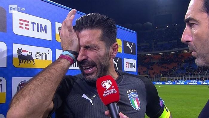 Буффон со слезами на глазах попрощался со сборной Италии Футбол, Буфонище, Италия, Сборная, Чемпионат мира