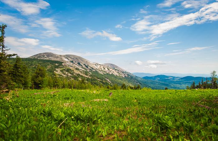 Шерегеш летом - ночевка на чужой даче, облако на горе и муравьи Шерегеш, Кемеровская область, Горы, Горная шория, Длиннопост