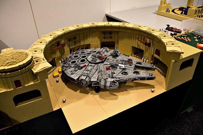 Сцена из четвёртого эпизода 1 в 1 из Lego! Lego, Тысячелетний сокол, Звездные войны IV, Star wars