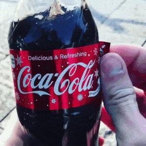 Новогодняя бутылка кока-колы Coca-Cola, New Year!, Новый Год, Gif анимация, Гифка