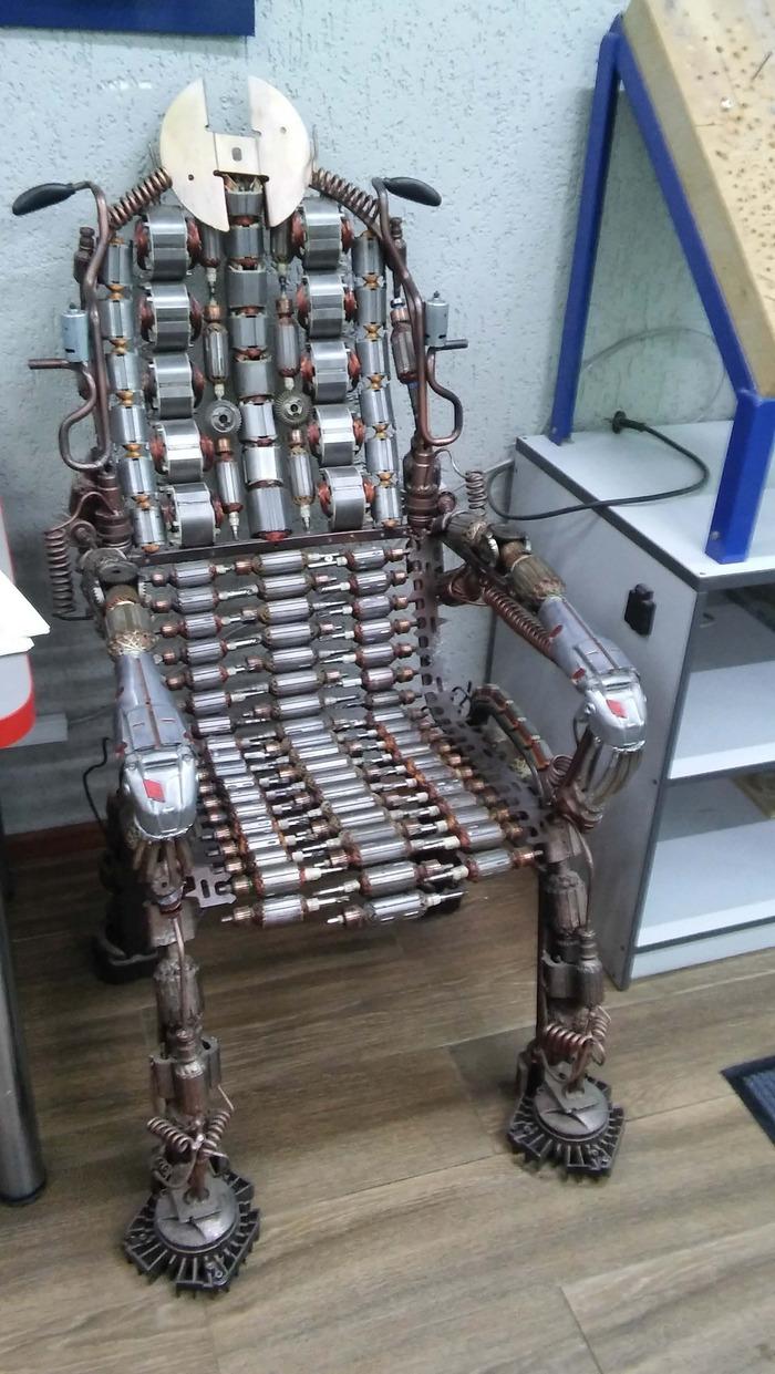 Кресло в мастерской Кресло, Сервис, Сервисный центр, Рукоделие, Прямые РУКИ, Мастерская