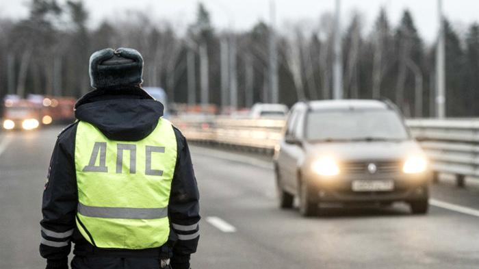 В Уфе инспектор ДПС потребовал взятку, угнал машину, попытался убежать от ГИБДД Новости, Уфа, Дпс, Гибдд, Взятка, Инспектор