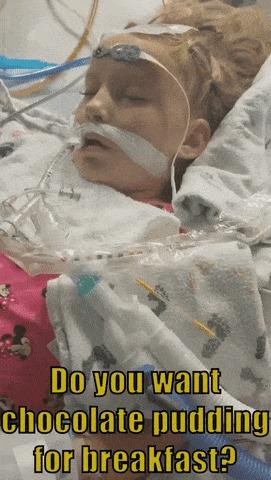 Девочка отвечает на голос мамы после аневризмы