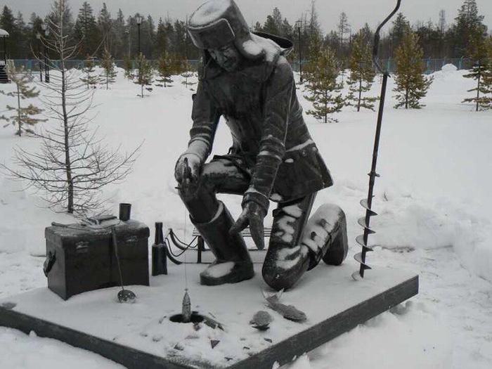 Памятник рыбаку!г.Ноябрьск