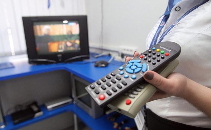 Число смотрящих телевизор россиян за семь лет упало вдвое Телевидение, Вциом, Статистика, Интернет, Новости, Длиннопост