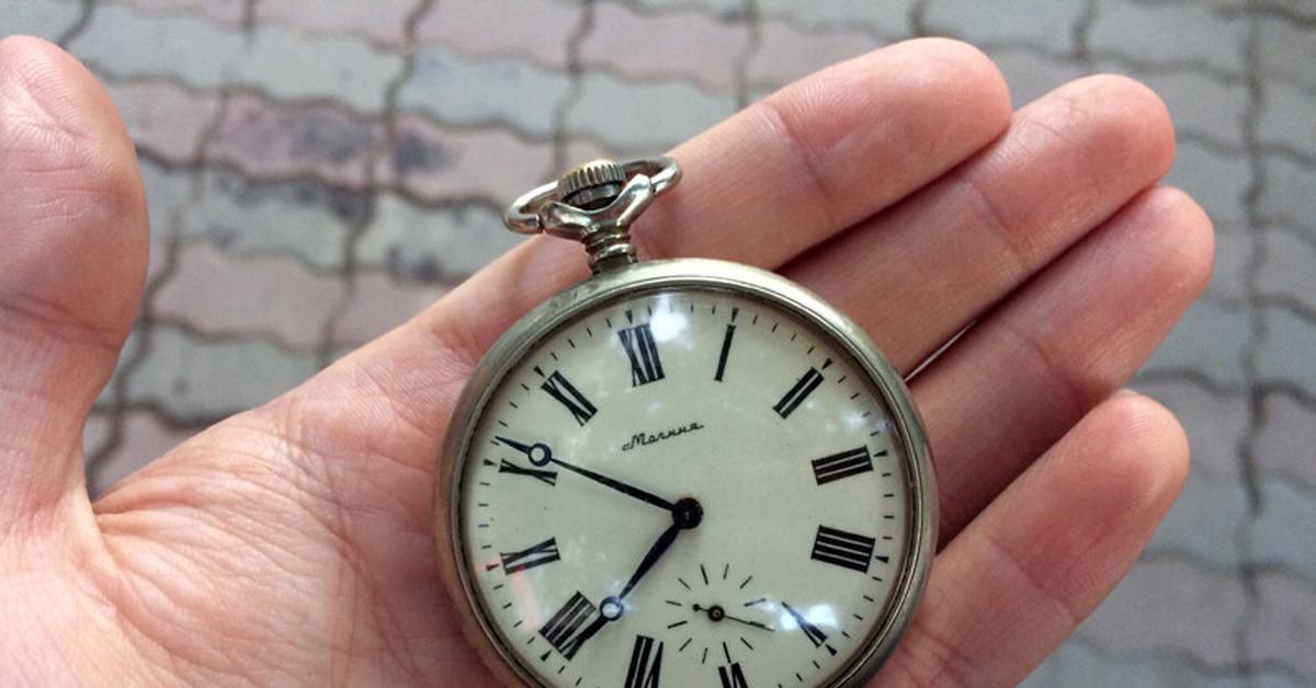 Rado sintra первые часы из цветной керамики антрацитового, белого, розового, платинового, голубого и других цветов.