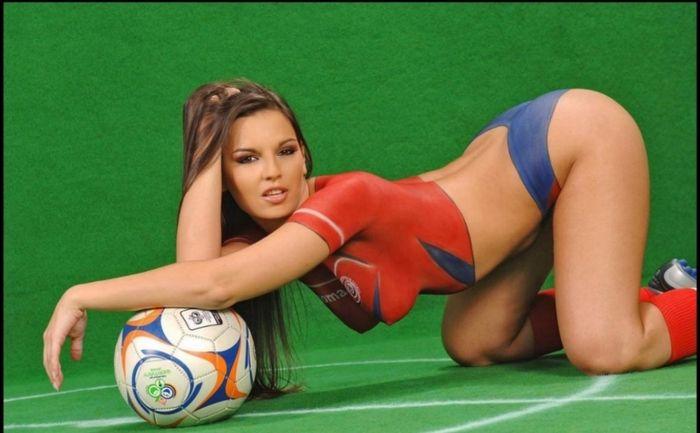 Мячики и мячики Бодиарт, Мяч, Футбол, Девушки, Длиннопост