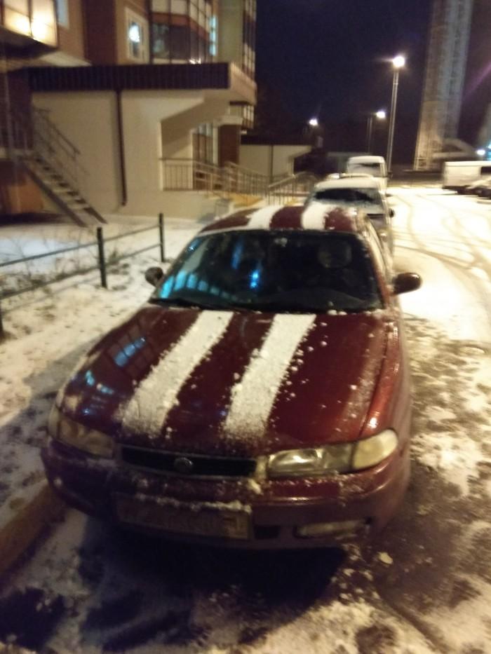 Когда хочется спортивную тачку, а на дворе выпал первый снег. Снег, Первый день зимы, Тачка на прокачку, Привет читающим тэги, Зима, Двор