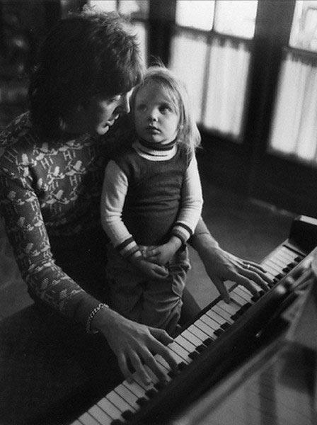 Пол и Стелла Маккартни, 1975 год