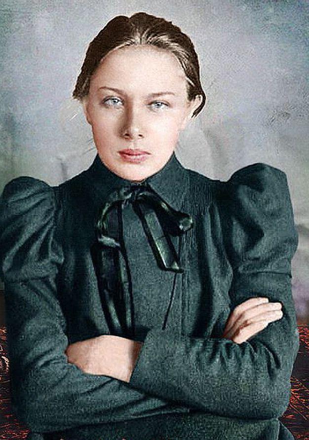Надежда Крупская, жена Ленина. 1890-е года
