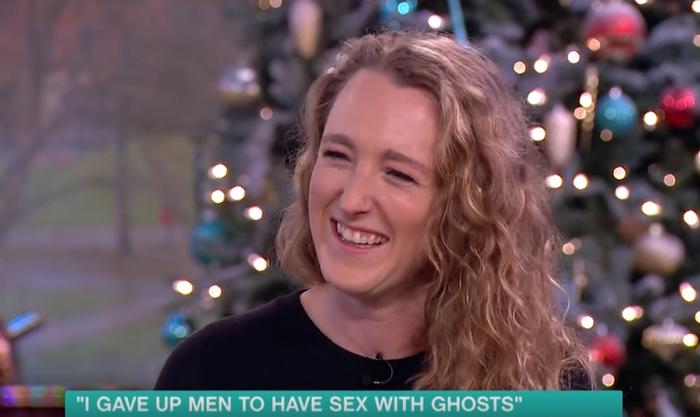 Секс видео с кон м трахают девочек