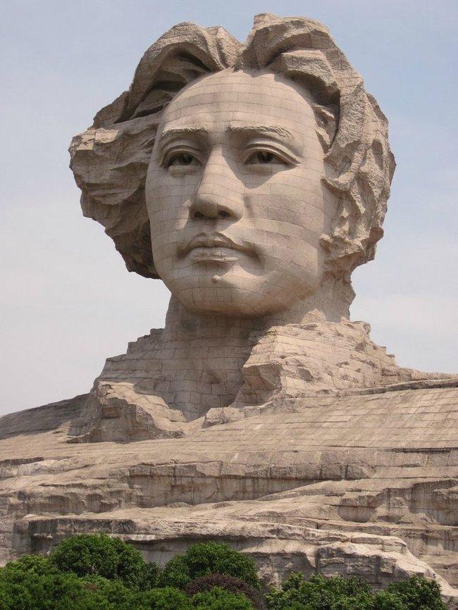 В Китае построили огромную голову Мао к 116 дню рождения вождя мао цзедун, китай, статуя, Памятник, круто, екабу, длиннопост