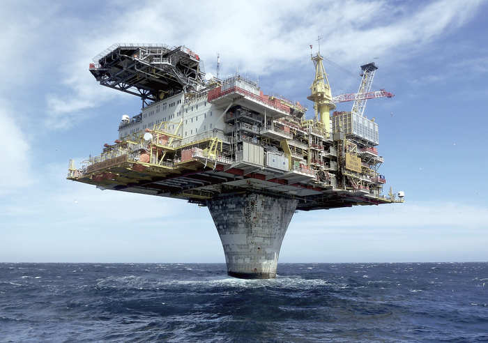 Морская нефтяная платформа Draugen море, платформа