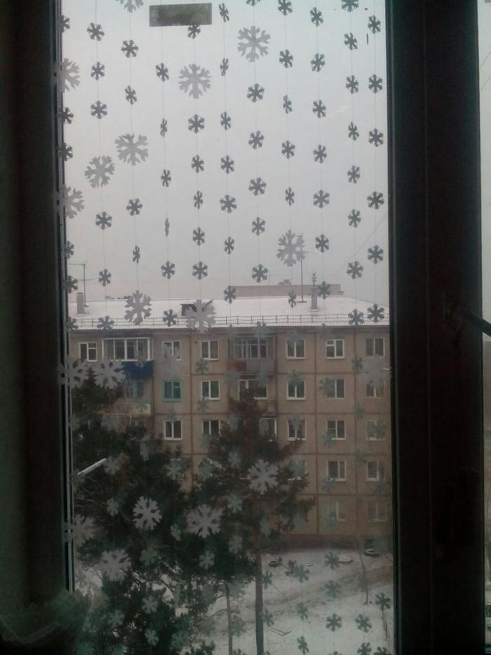 Оформила снежинками два окна.., смотрится, как тюль. Снежинка, Бумага, Ткань, Декорации, Окно, Новый Год, Длиннопост