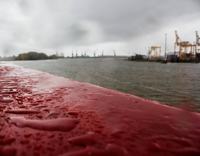 Дождь, порт. Дождь, Корабль, Подъемный кран