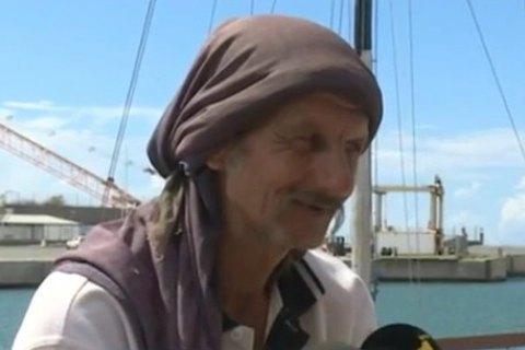 Все ли моряки ходят к проституткам проститутка из попы в рот москва
