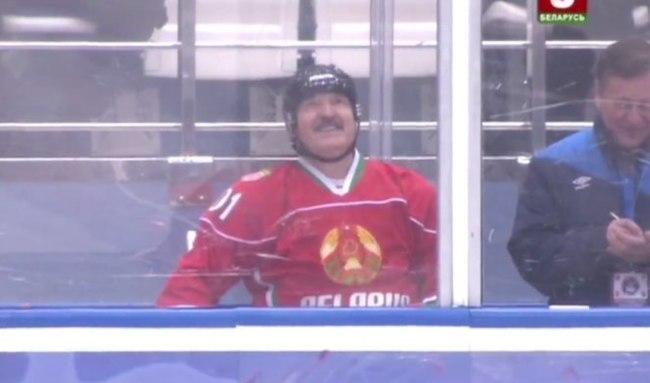 То самое чувство, когда придумал, что сделаешь с судьей после матча. Батька, Александр Лукашенко, Хоккей, Беларусь