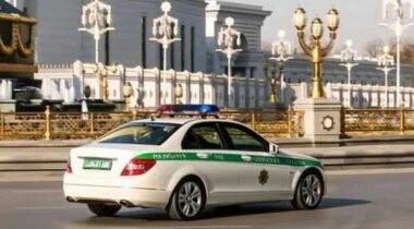 Женщинам в Туркменистане запретили водить автомобили Туркменистан, Женщина за рулем
