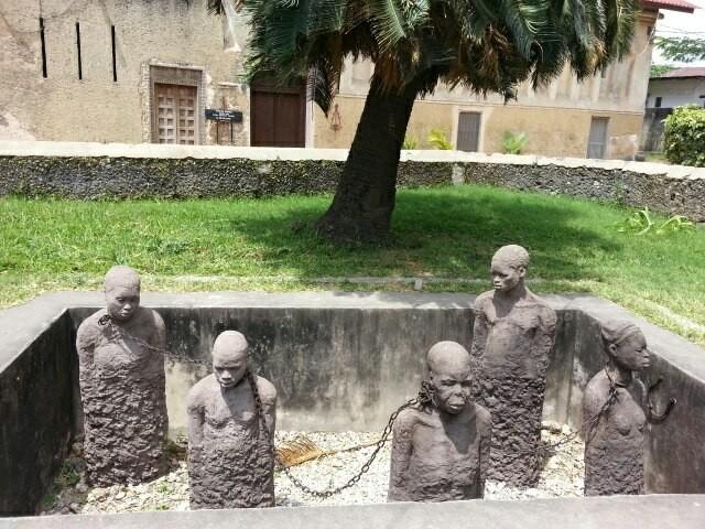 Занзибар, Танзания. Памятник увезенным в рабство