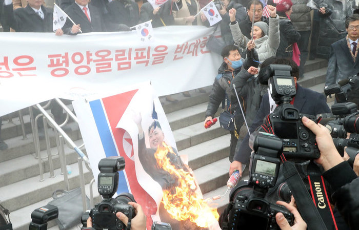 По приказу Партии нужно и воскреснуть, или история певицы из КНДР Северная корея, Олимпиада, Воскрешение, Бывает, Видео, Длиннопост