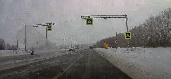 Повезло #13 ДТП не случилось, Пешеходный переход, Пешеход, Повезло, Фура, Гифка, Видео
