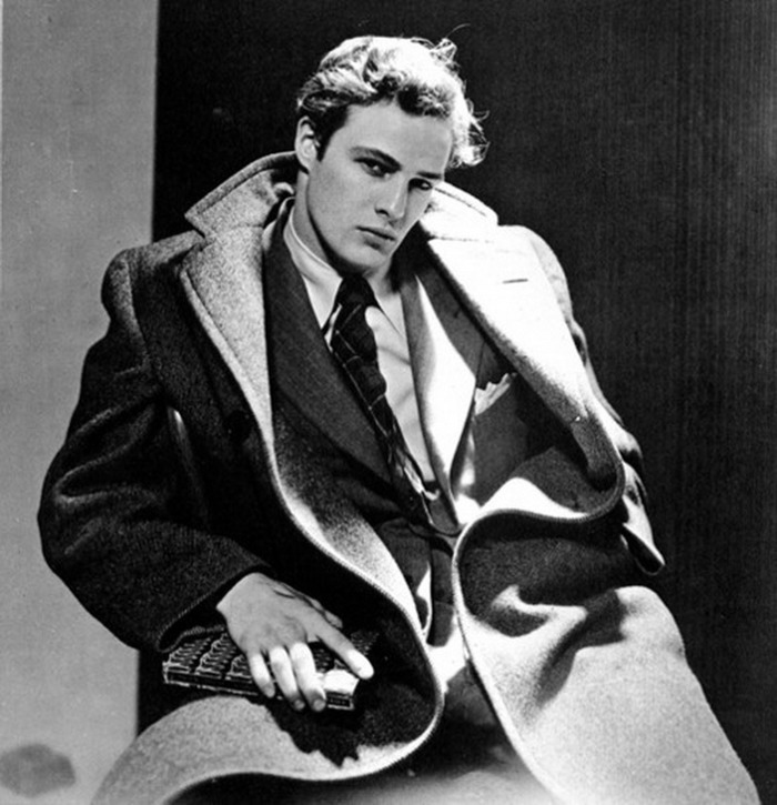Стильное ретро-фото. Марлон Брандо, 1946 год: Playgirl, Марлон Брандо, Девушкам, Актеры, Мужская красота, Мужчина, Парни