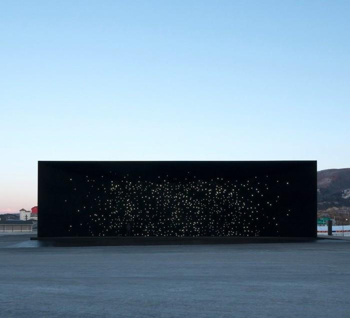 Самое черное здание вмире Пхенчхан, Сюрреализм, Здание, Олимпиада, Звездное небо, Длиннопост
