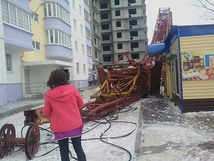 В Пермском крае на стройплощадке рухнул башенный кран Строительство дома, Спк, Длиннопост, Башенный кран, ЧП
