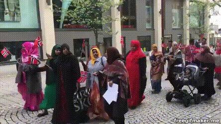 """Коренные"" норвежцы на параде"