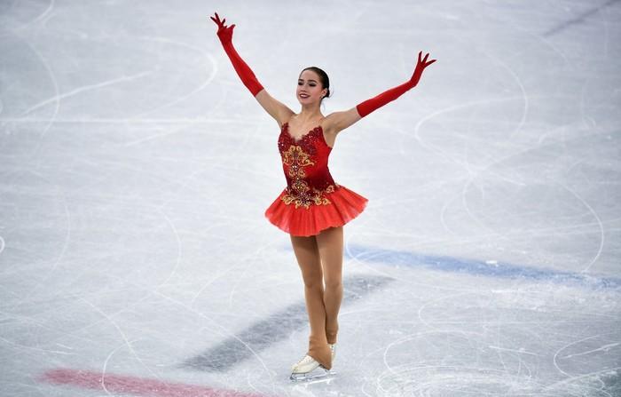 Загитова принесла России первое золото на Олимпиаде, серебро — у Медведевой Золото, Олимпиада, Алина Загитова, Евгения Медведева, Серебро, Фигурное катание
