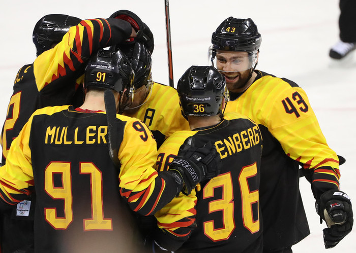 Германия одолела Канаду и вышла в финал Олимпиады против России Хоккей, Олимпиада 2018, Сборная германии, Сборная Канады, Полуфинал, Тяжёлый матч, Спорт