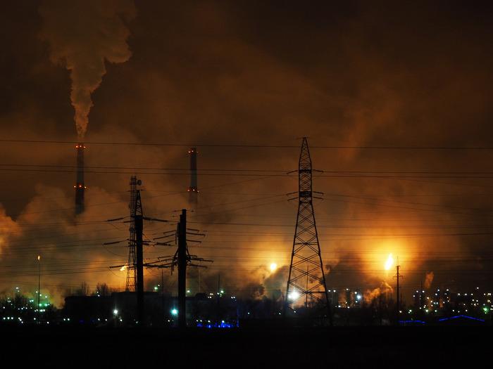 Мистерия пара, дыма и огня! Газзавод, Дым, Пламя, Факел, ЛЭП, Огни, Оренбург, Начинающий фотограф