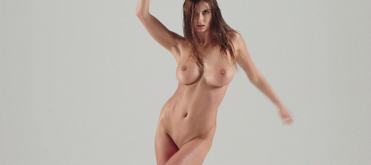 bollywood-babes-great-naked-women-gif-high-class-femdom