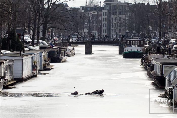 Каналы в Амстердаме замерзают! Достаем коньки! Амстердам, Нидерланды, Пикабушники за границей, Коньки, Голландия, Весна, Видео