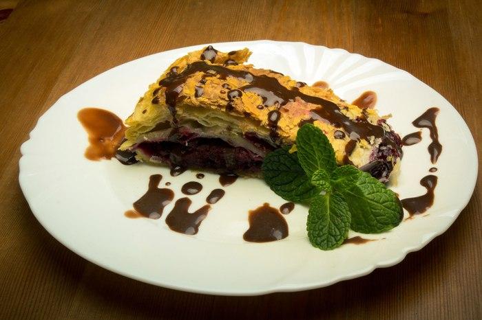 Штрудель чёрносмородиновый. Рецепт, Кулинария, Еда, Штрудель, Чёрная смородина