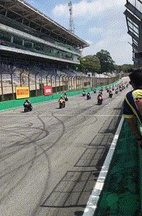 Резвый конь ДТП, Бразилия, Мотогонки, Мотоциклист, Мото, Гифка, Видео
