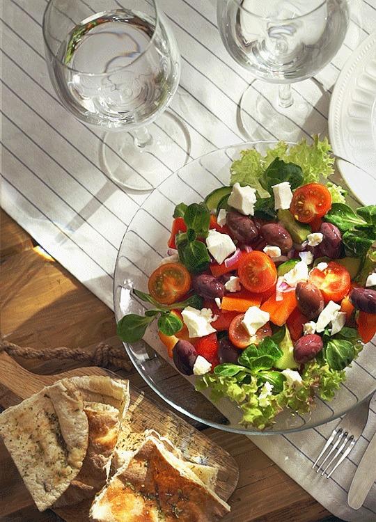 Для аппетита... Еда, Приятного аппетита, Гифка, Вкусно, Пицца, Салат, Вино, Длиннопост