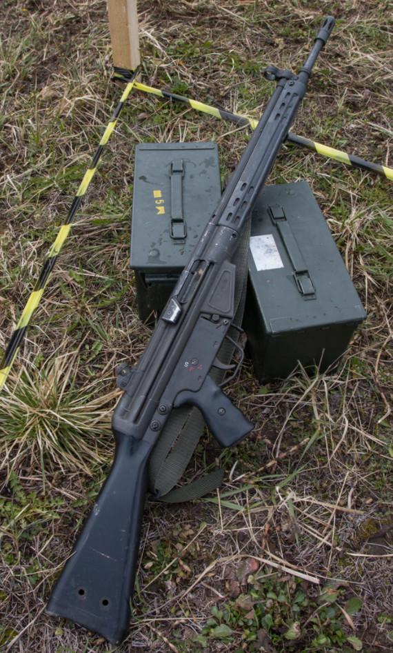 Солдат прострелил себе плечо ради прикольного шрама Ранение, Армия, Эстония, Длиннопост