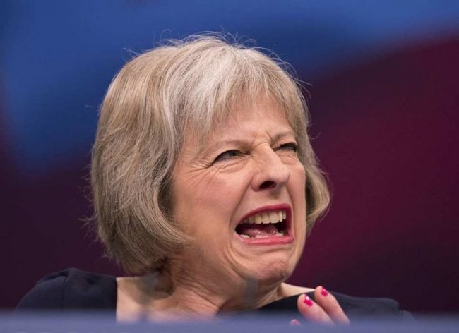 Просто о тоталитарном режиме королевы Англии Политика, Тереза Мэй, Англия, Тоталитаризм, Кровавый режим, Длиннопост