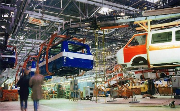 На конвейере Рижской автомобильной фабрики РАФ, Автозавод, Сделано в СССР, Длиннопост
