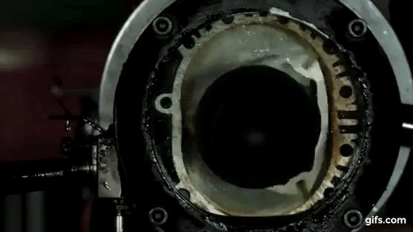Демонстрация работы роторно-поршневого двигателя с прозрачной крышкой корпуса в слоу-мо. Авто, Демонстрация, Slow motion, Гифка, Двигатель, Мотор, Ротор, Интересное