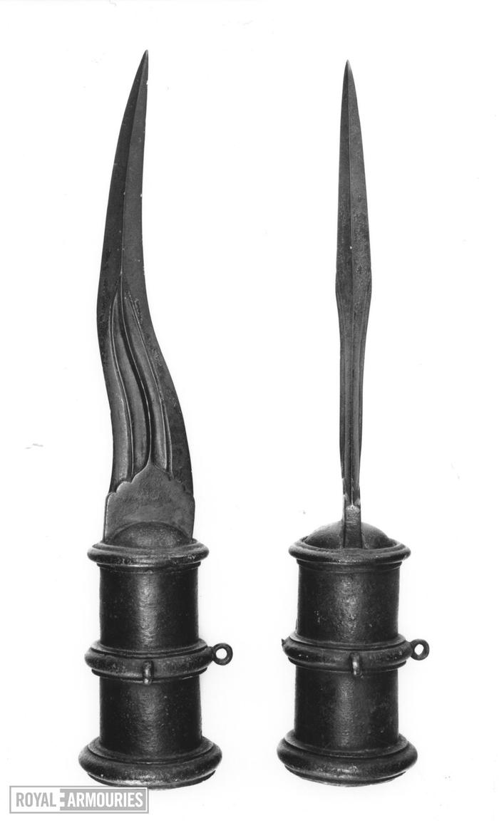 Странный предмет вооружения. Предмет, Вооружение, Нестендарт, 1600 год, Клинковое, Видео, Длиннопост