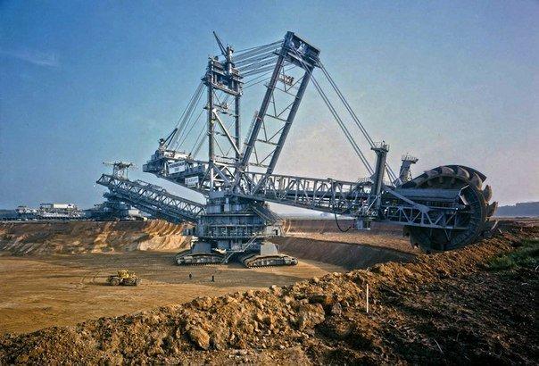Bagger 288 - самая большая подвижная машина в мире. роторный экскаватор, Bagger 288, тяжелая техника, стальной гигант, карьерная техника, длиннопост