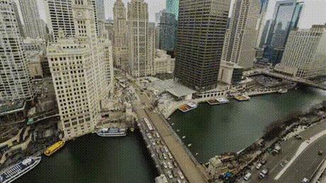 В Чикаго снова покрасили реку в День Св. Патрика