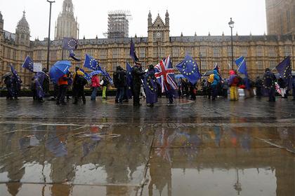 Великобритания взялась за визы российских олигархов Россия, Великобритания, Олигархи, Виза, Политика