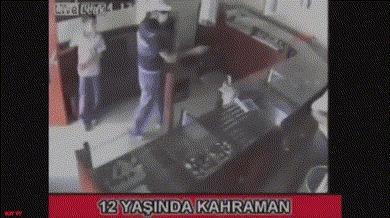 Пацан помог при вооружённом ограблении