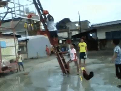 Петушиный баскетболист