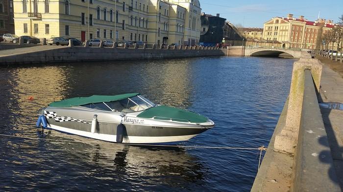 Где то на каналах Санкт-Петербурга... выхухоль, похухоль и... Санкт-Петербург, Канал, Лодка