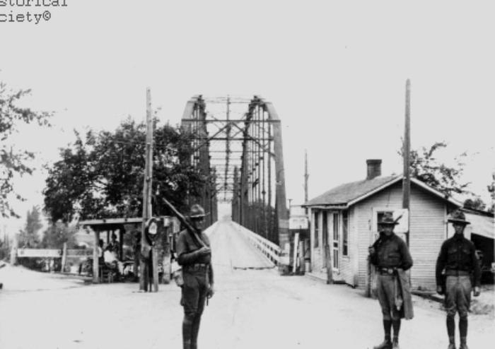 """Револьвер в """"невидимой руке рынка"""" Лига историков, США, 1931, Капитализм, Инцидент с мостом, Длиннопост"""